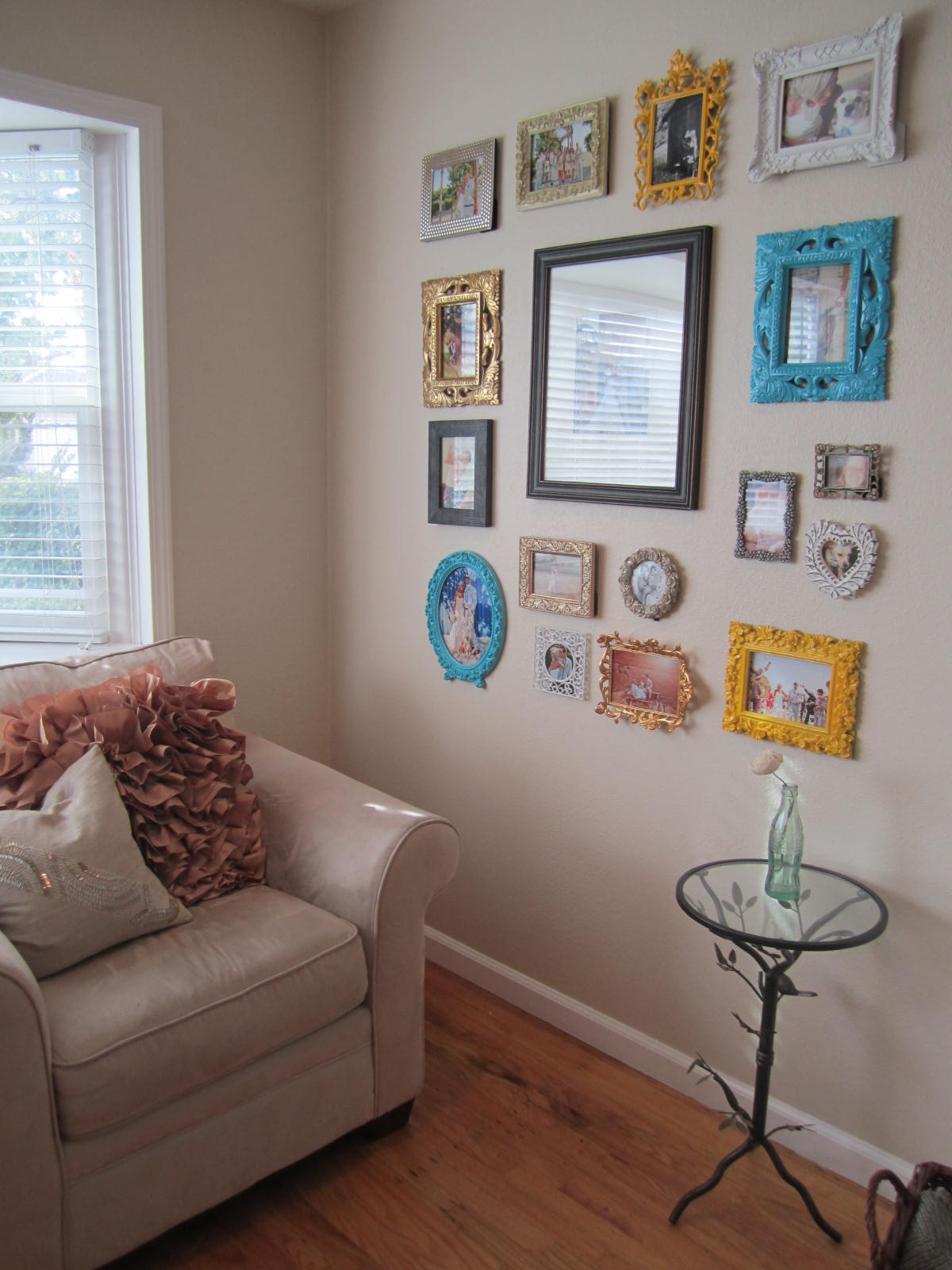 spray paint picture frame house to home blog. Black Bedroom Furniture Sets. Home Design Ideas