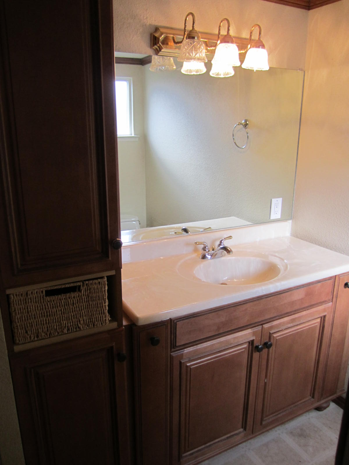 New listing for sale 3 bedroom 2 bath house 459 950 for Master bathroom with walk in closet